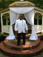 Officiant Don Gloud