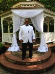Officiant Don Gloud